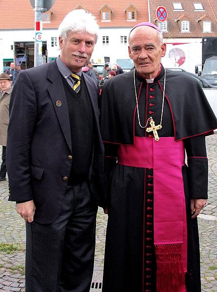 Mit Bischof`s Segen....