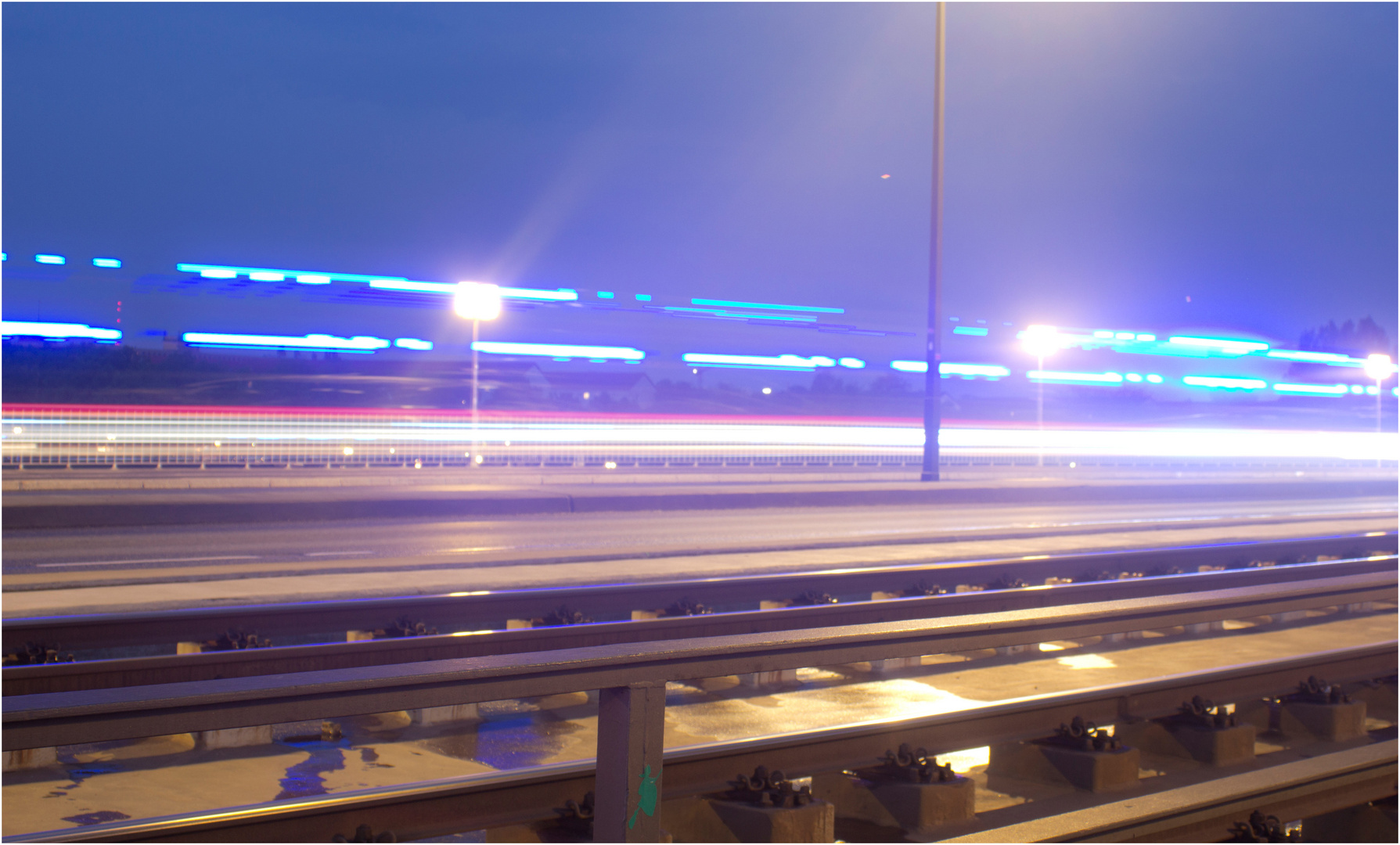 Mit Blaulicht durchs Bild