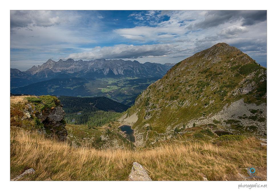 Mit Blick auf das Dachsteingebirge
