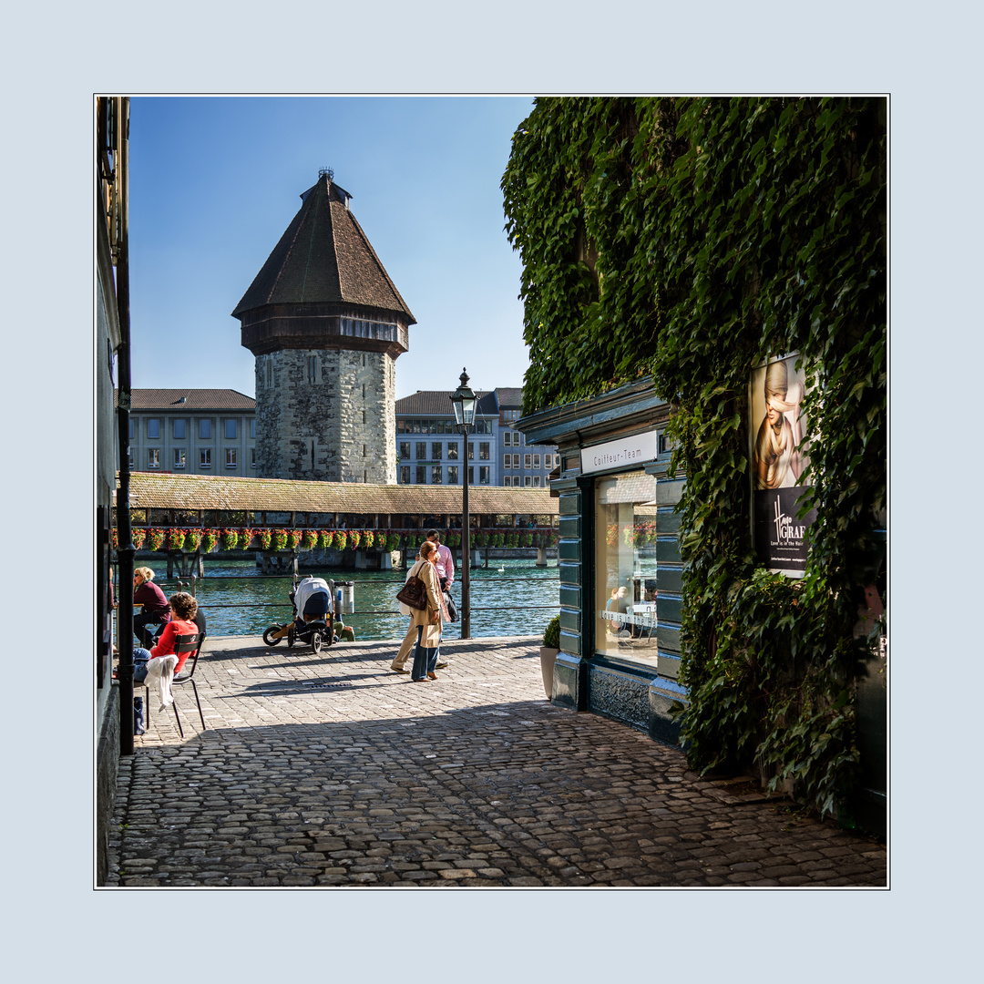 Mit Blick auf den Wasserturm / Luzern