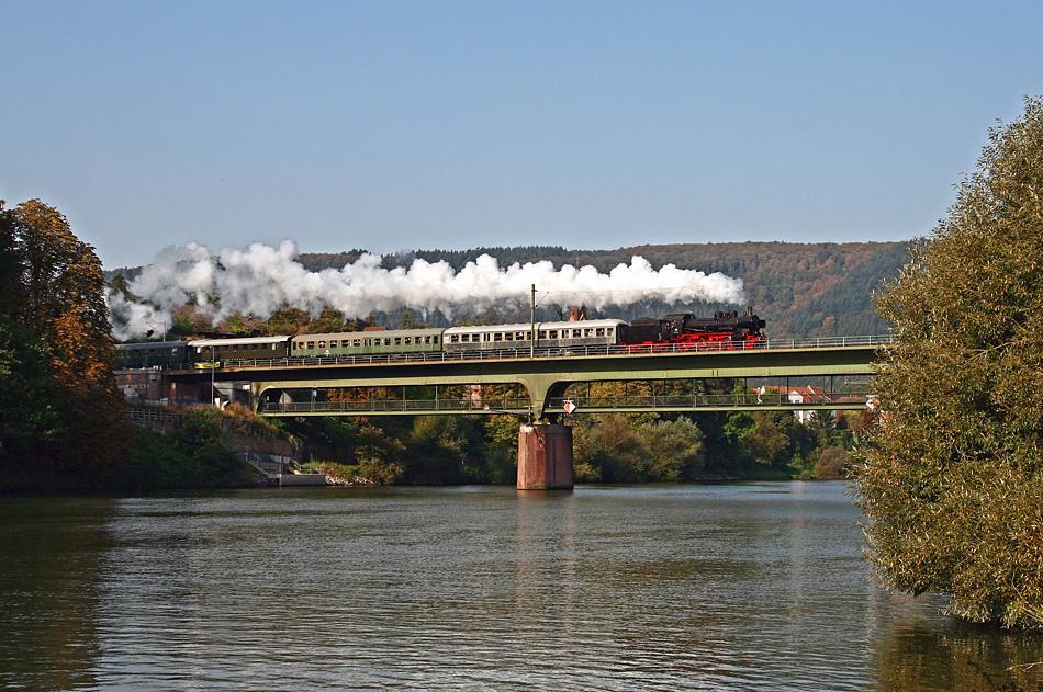 Mit Dampf über den Neckar