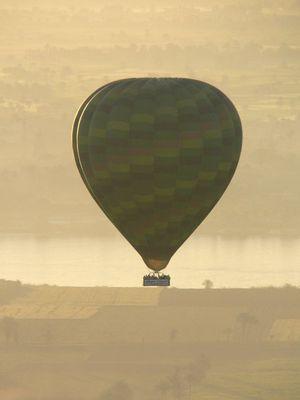 Mit dem Ballon über Theben-West