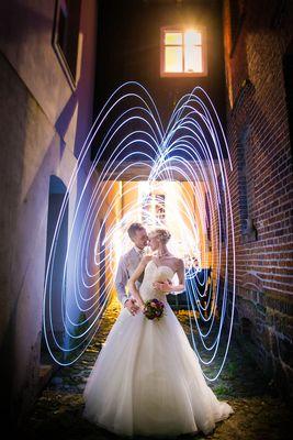 mit dem Brautpaar und ein paar LEDs Nachts und abseits von Berlin
