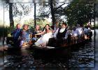 Mit dem Brautpaar und Gästen....