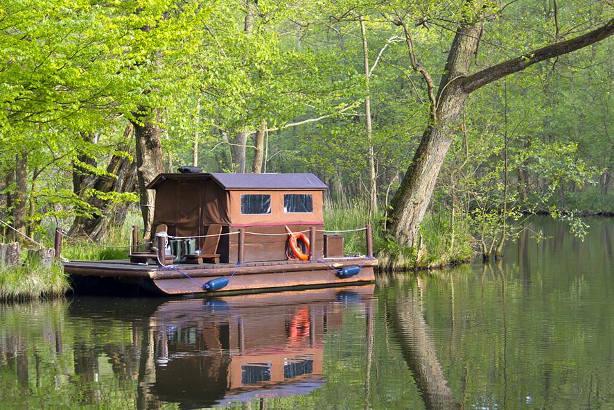 Mit dem Floß unterwegs