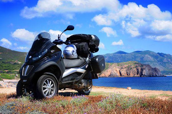 Mit dem Roller auf Sardinien
