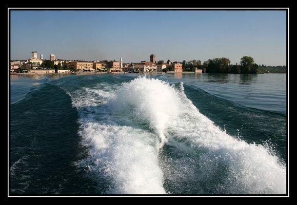 Mit dem Schnellboot über den Gardasee
