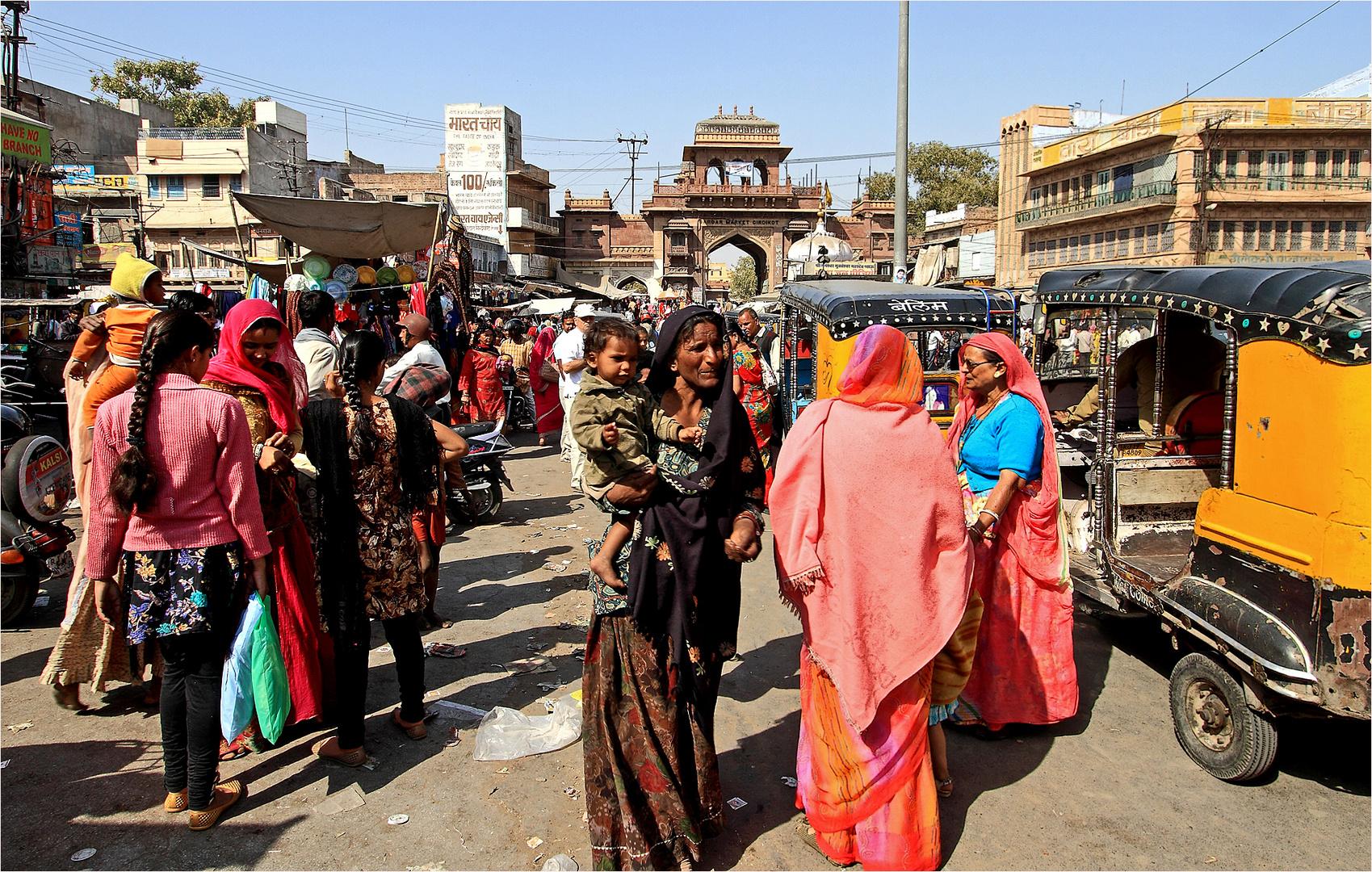 Mit dem Tuk Tuk ins Zentrum vom Jodhpur und dann zu Fuß weiter...