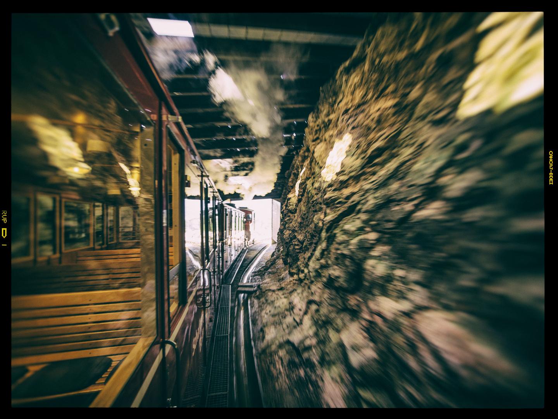 Mit der Schafbergbahn durch den Tunnel
