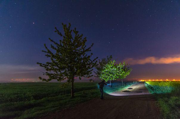 Mit der Taschenlampe durch die Nacht ;-)