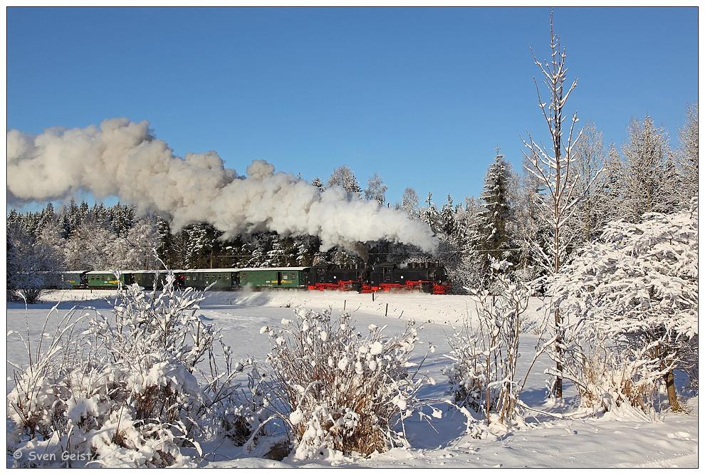 Mit doppelter Dampfkraft im erzgebirgischen Schnee
