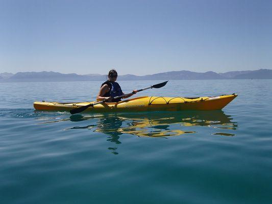 Mit Kayak auf dem Lake Tahoe