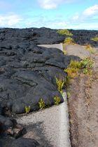 Mit Lava überflutete Straße