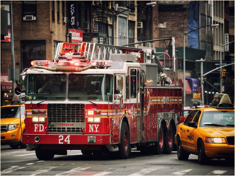 Mit Licht und Horn durch Manhattan!