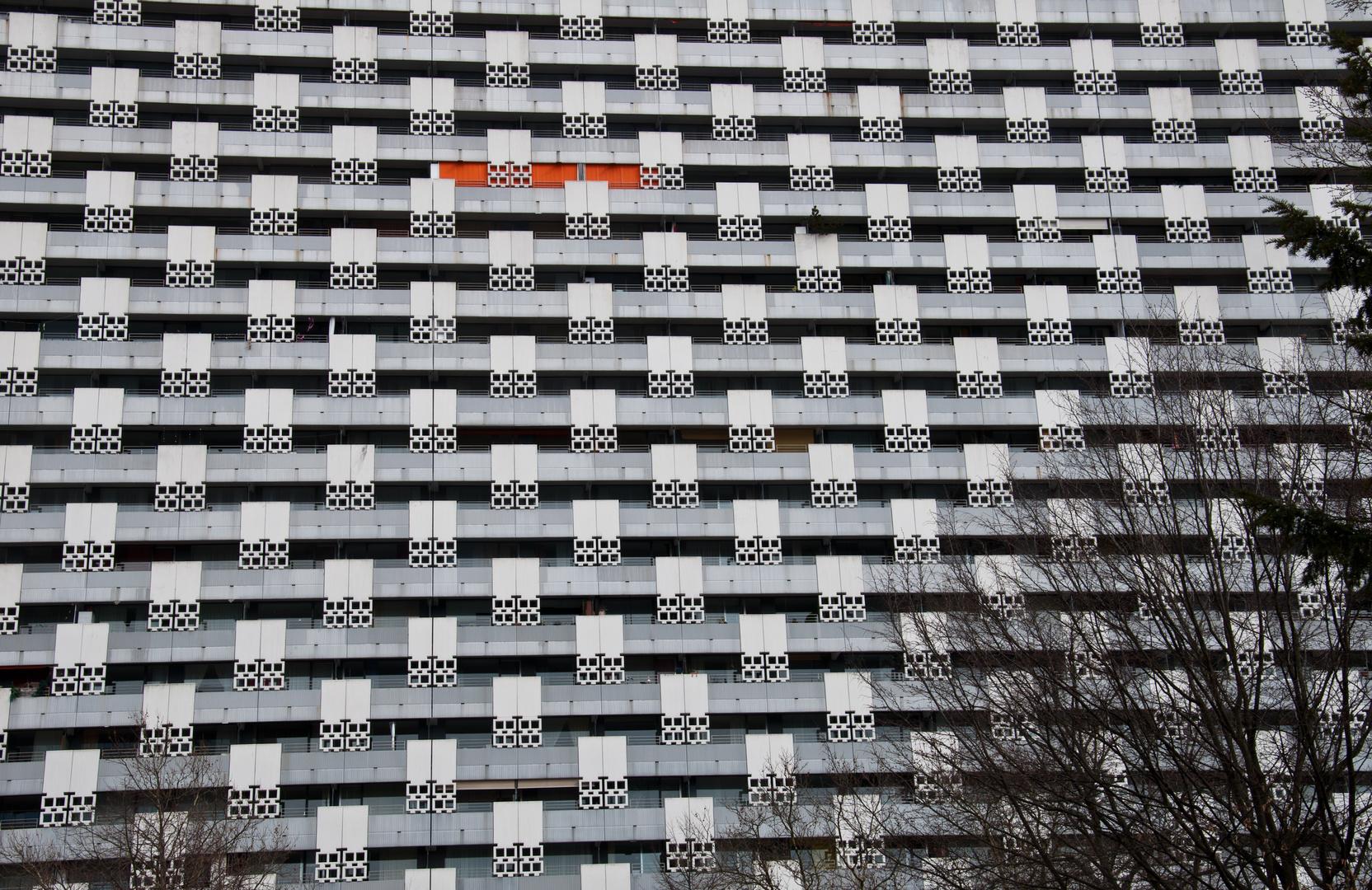Mit vereinzelten sonnigen Abschnitten ist insbesondere im 16. Obergeschoss zu rechnen