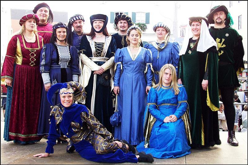 Mittelalterliche Tanzgruppe Sualava