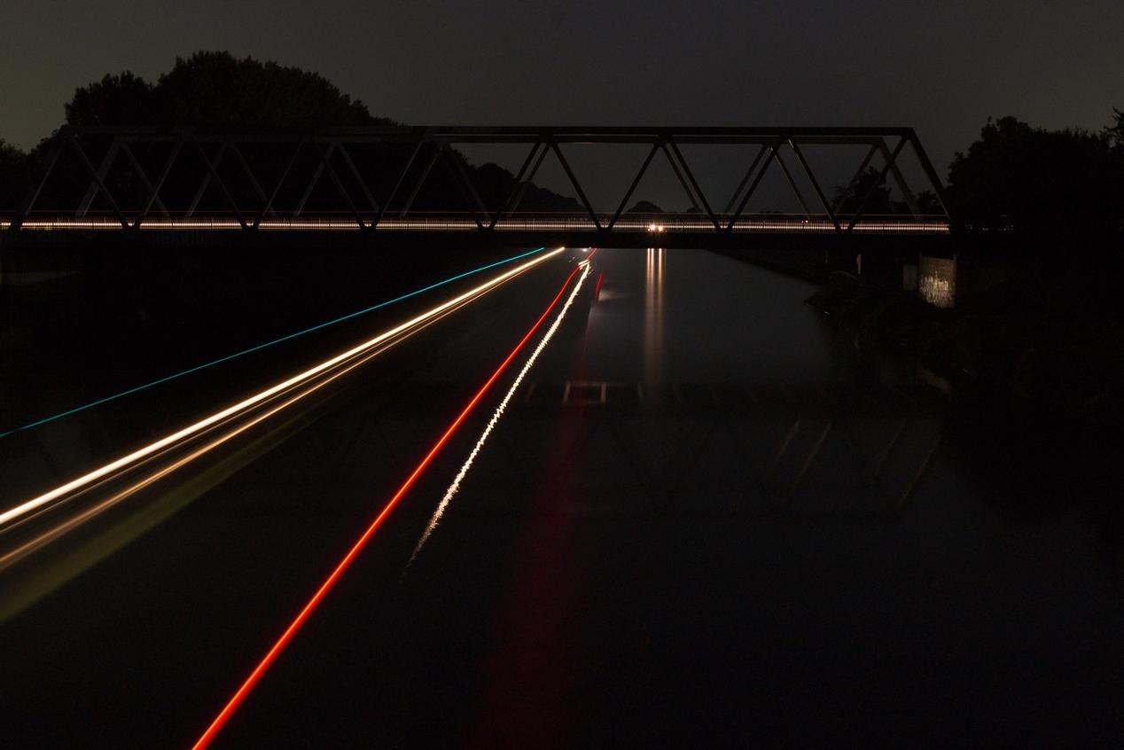 Mittellandkanal bei Nacht