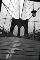 Mitten auf der brooklyn bridge