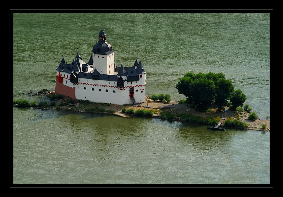 Mitten im Rhein...