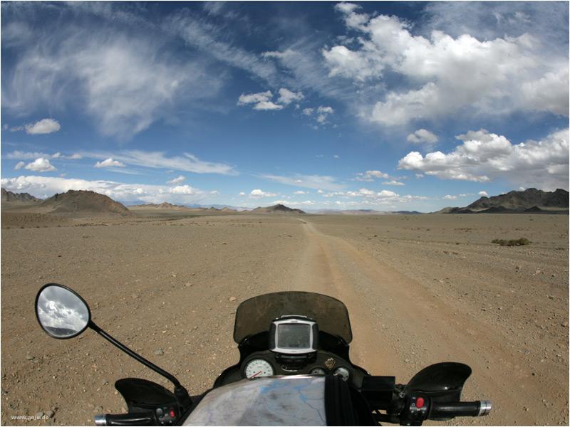 mittendrin in der Altai-Gobi