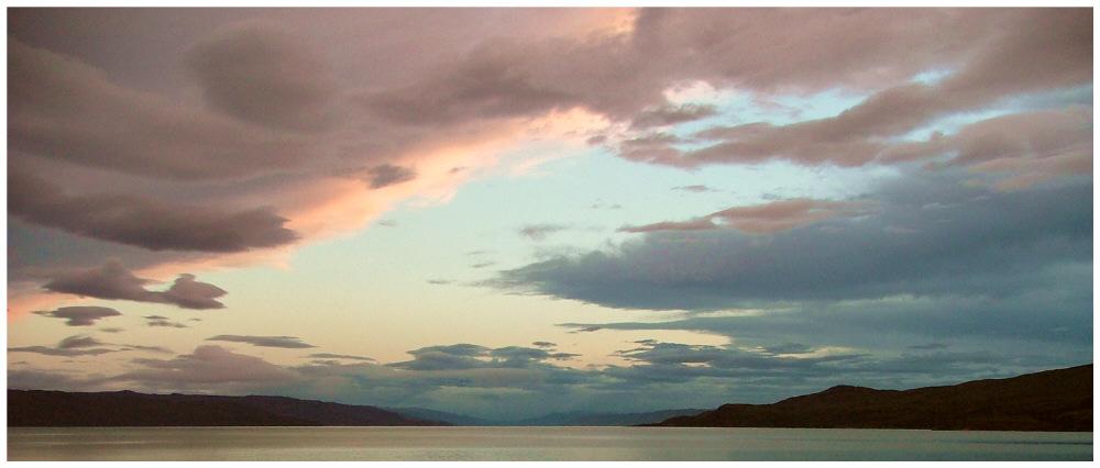 Mitternachts im Kangerlussuaq-Fjord