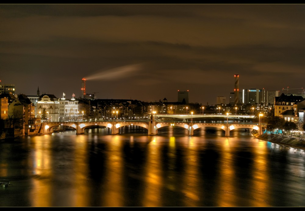 Mittlere Brücke by Night