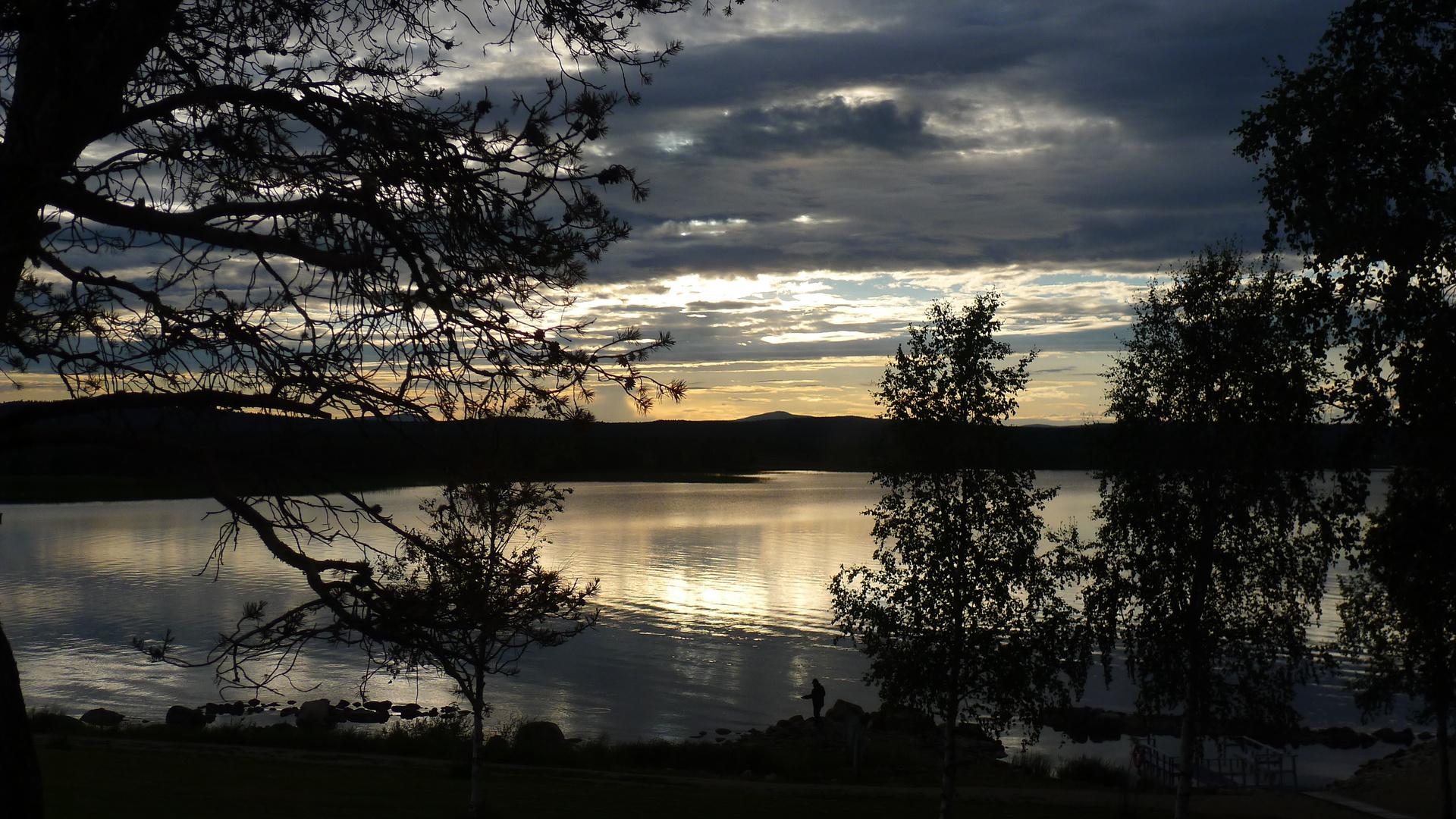 Mittsommer am Muddusjärvi in Lappland