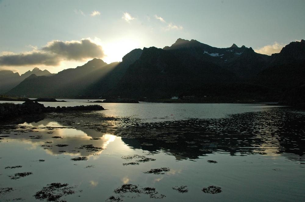 Mittsommernacht 23 Uhr auf den Lofoten, Norwegen