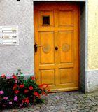Mittwochsblümchen: Geranien vor alter Wangener Haustüre