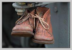 MiWoMu, Tüddelbänder, Tüddeldraht, Schuhe