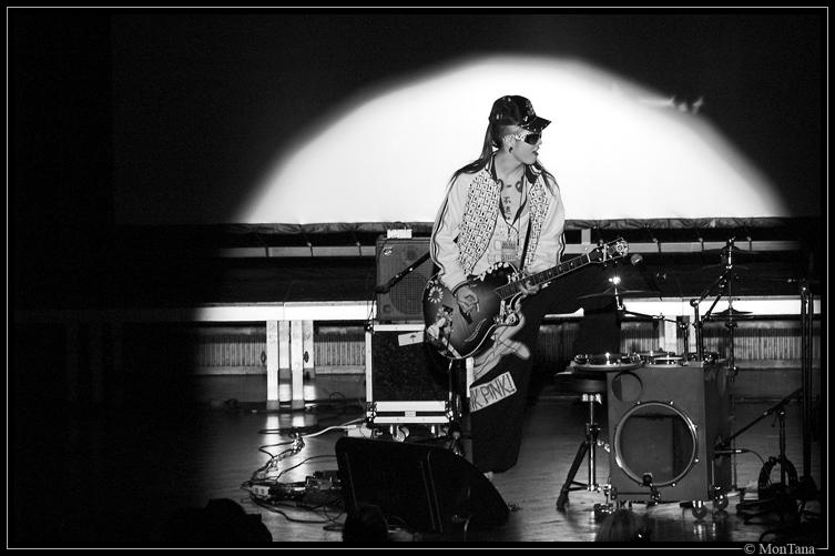 Miyavi on Stage