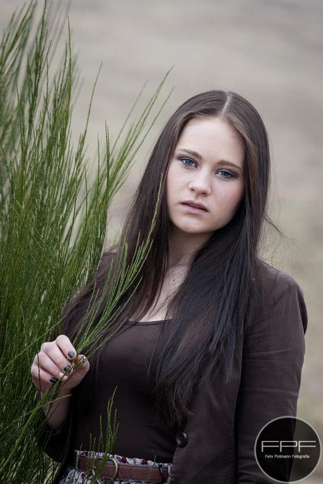 Model: Emily 3