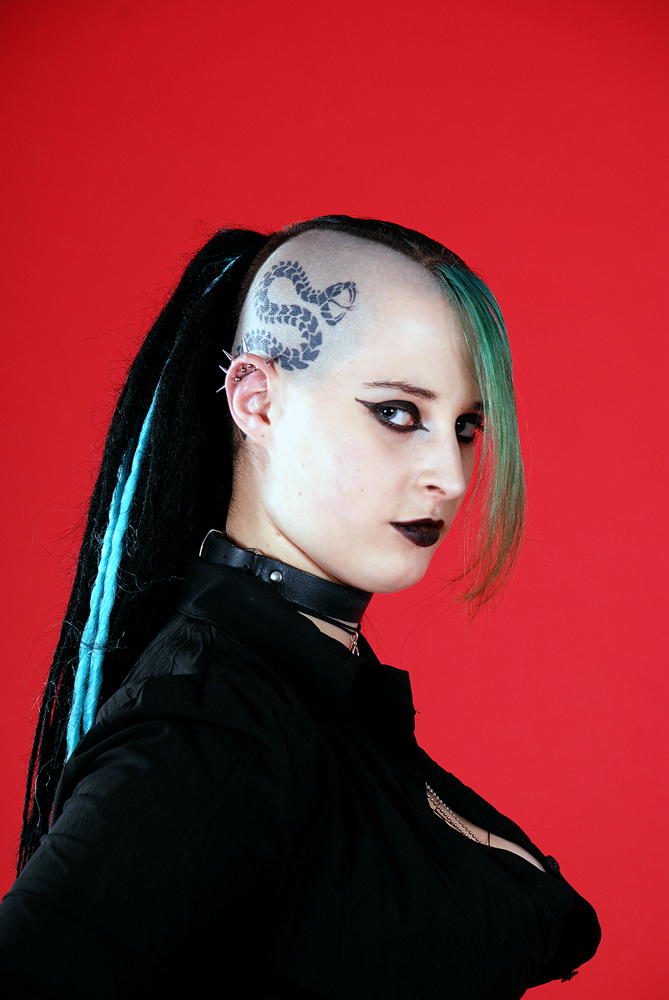 Model Excetra - Cyber Goth 02