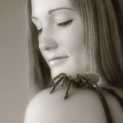 Model: Ivana mit Vogelspinne
