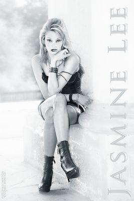 Model: Jasmine Lee