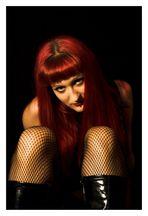 Model Luna Red and Black