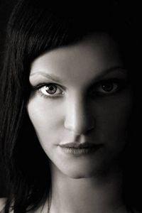 Model Nadine E