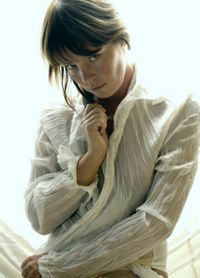 Model Nicole..