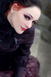 Model Seraphine Nephilim