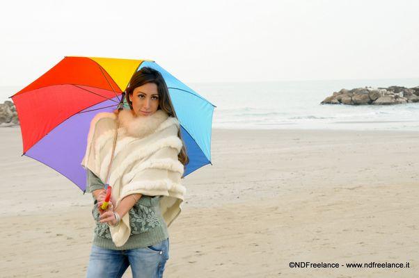 Modella in spiaggia 2