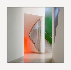 [ Moderne Architektur der Farben und Formen ]