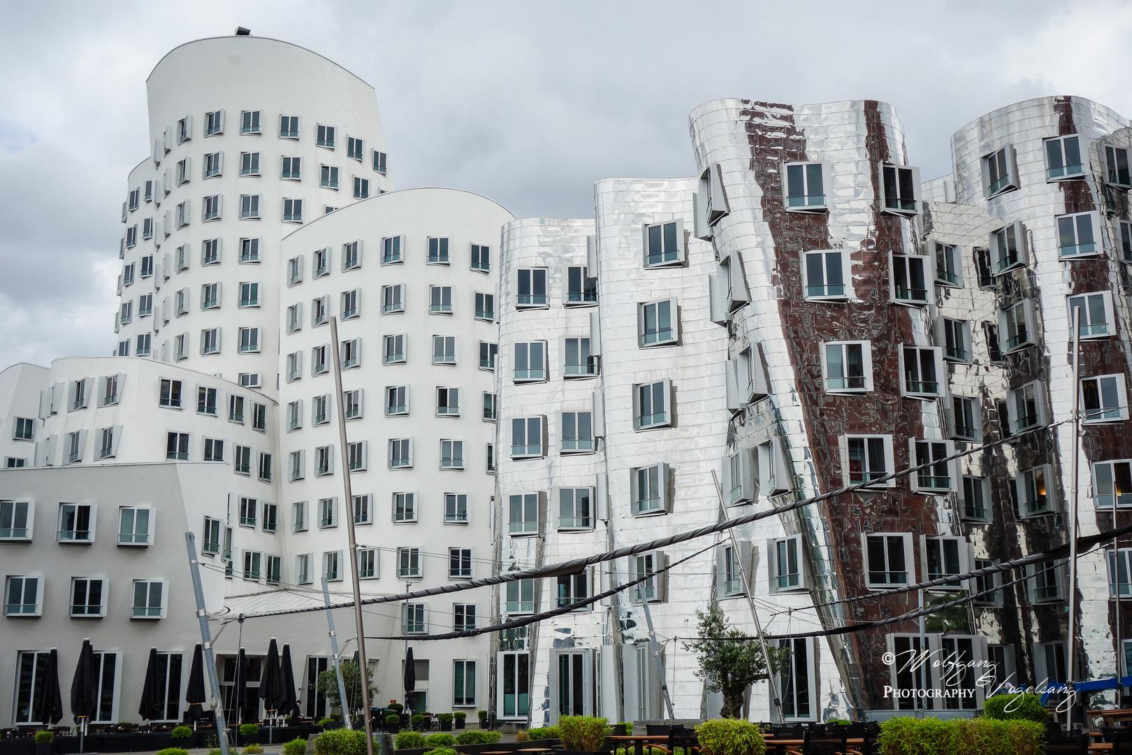 Architekten In Düsseldorf moderne architektur im medienhafen düsseldorf foto bild