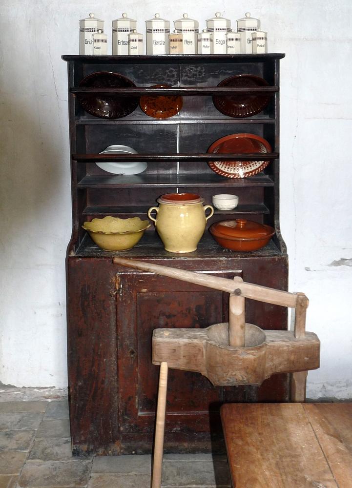 moderne Küchenutensilien (damals)