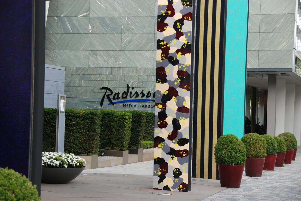 moderne Steelen am Radison im Medienhafen Düsseldorf