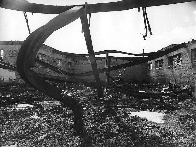 Möbel(?)fabrik in Eupen/B, nach einem Brand