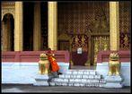 Mönch am Wat Sensoukharam, Luang Prabang, Laos