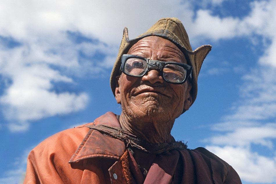 Mönch beim Kloster Lingshed. (Zanskar/Ladakh-Himalaja)