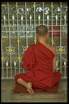 Mönch im Gebet