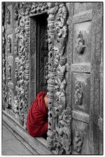 """Mönch im """"Shwenandaw Kyaung"""" (2009)"""