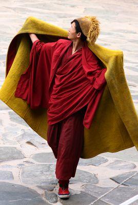 Mönch vom Gelbmützenorden in Tibet